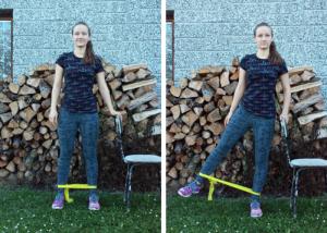 Unožování ve stoji - cvik na hýždě